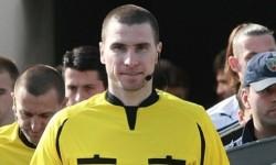 ОФИЦИАЛНО: Георги Кабаков свири в мач на Манчестър Юнайтед!