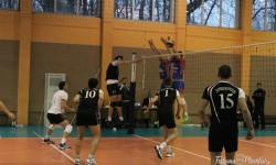 СНИМКИ: След невероятна драма Виктория надделя над Локомотив във волейболното пловдивско дерби