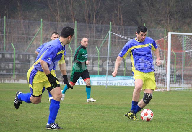 Photo of СНИМКИ: Марица направи 1:1 с Манастирище като гост в първи 1/2 финал в първенството за ветерани