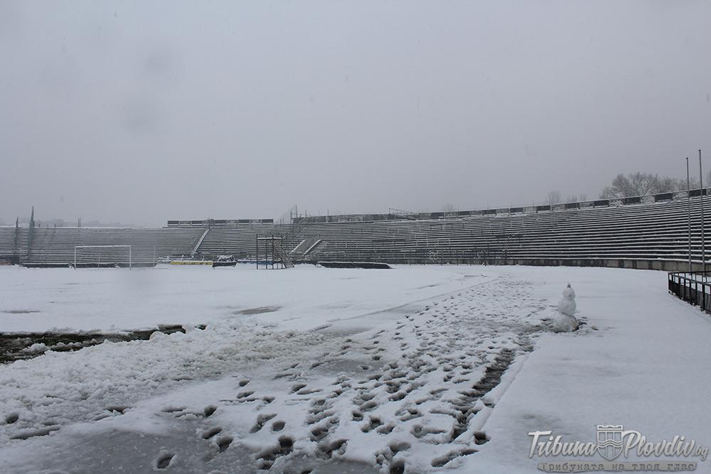 Photo of ЗС Пловдив на БФС отложи всички мачове