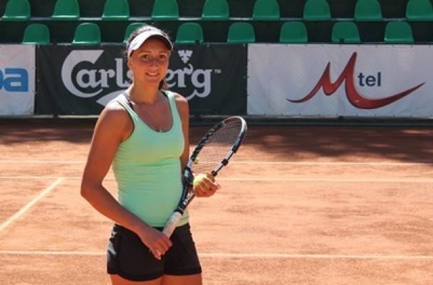 Начева напредва на турнир в Испания