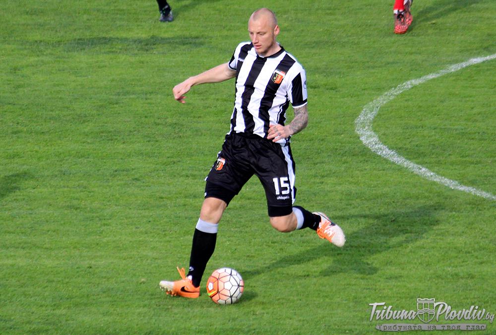 Photo of Футболист №1 на България за 2013 година Иван Иванов прекрати футболната си кариера