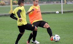 Рекорд! 15-годишен тренира с първия отбор на Ботев (Пд)