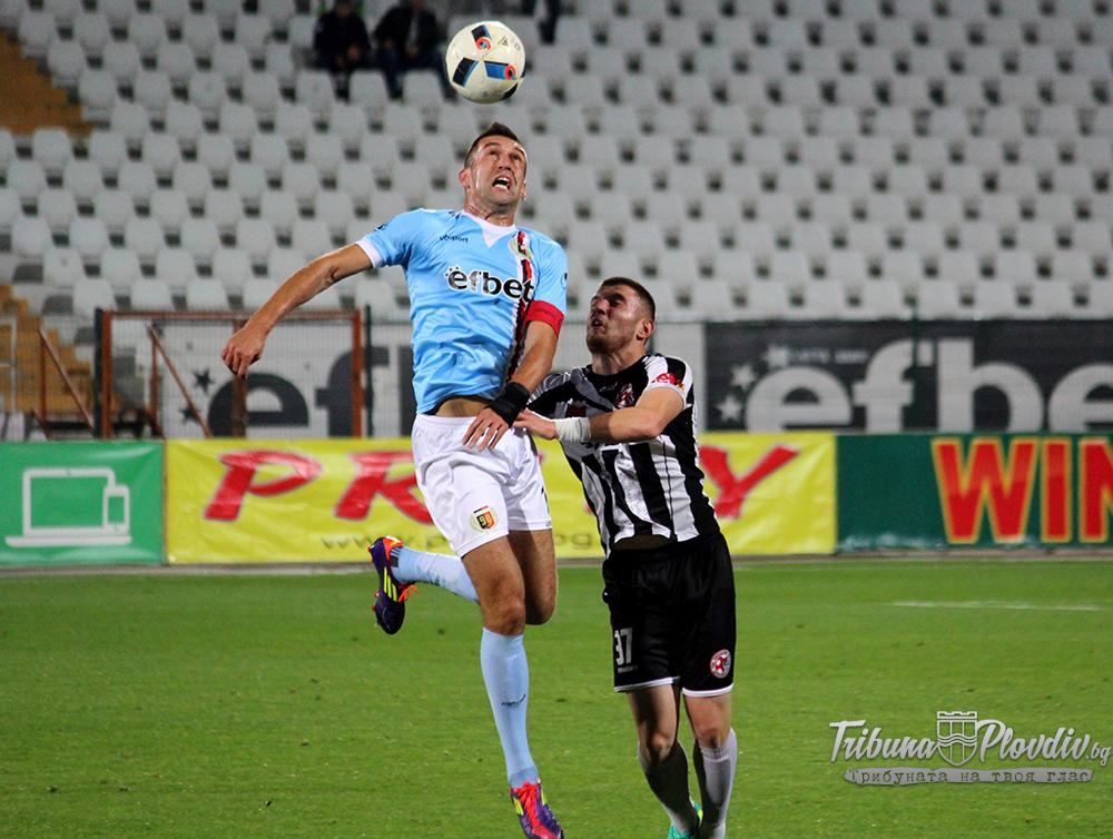 """Photo of """"Малкото"""" хубаво в """"многото"""" лошо е, че Мартин Камбуров се доближи с още един гол до Христо Бонев!"""