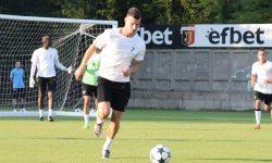 Продължава подготовката в лагера на Локомотив преди дербито с Левски