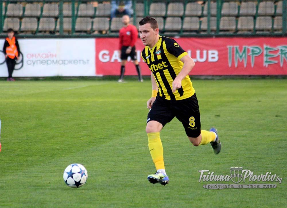 Photo of Тодор Неделев в състава на България за мачовете с Кипър и Словения