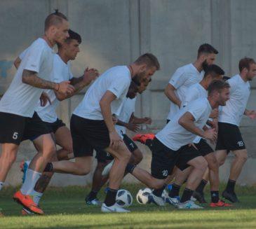 Локомотив (Пд) започна битката за Дербито с двуразова тренировка