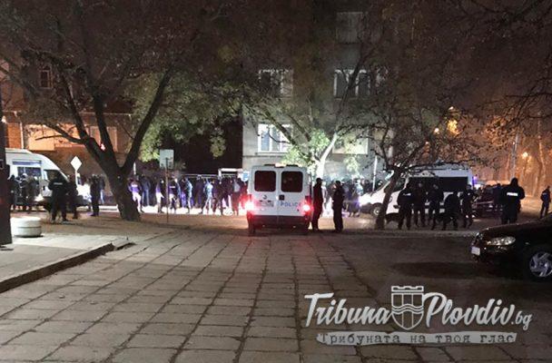 Ексклузивно: Брутално меле в Смирненски, много ранени и арестувани (СНИМКИ)