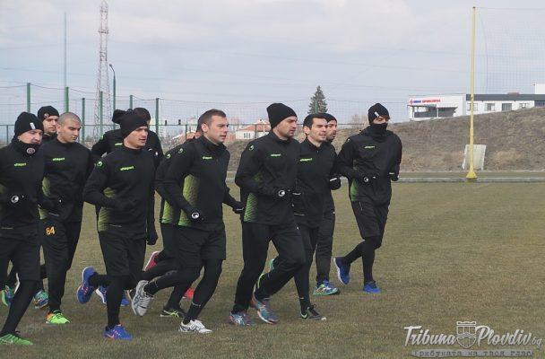 """ГЛЕДАЙ: 23 """"канарчета"""" с първа тренировка за 2019-а година"""