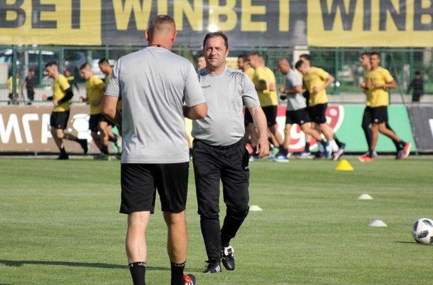 Петрович проведе първата си тренировка с Ботев, Стивън Петков гледа