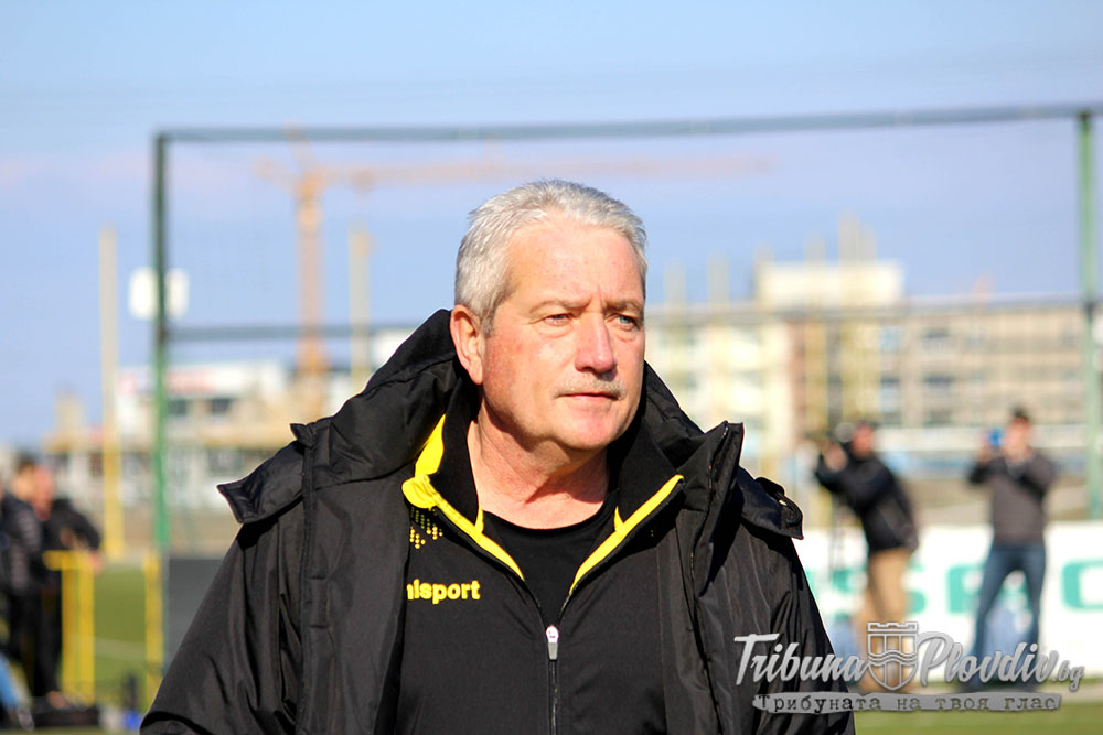 Photo of Феро остава треньор на Ботев, още двама основни футболисти напускат клуба